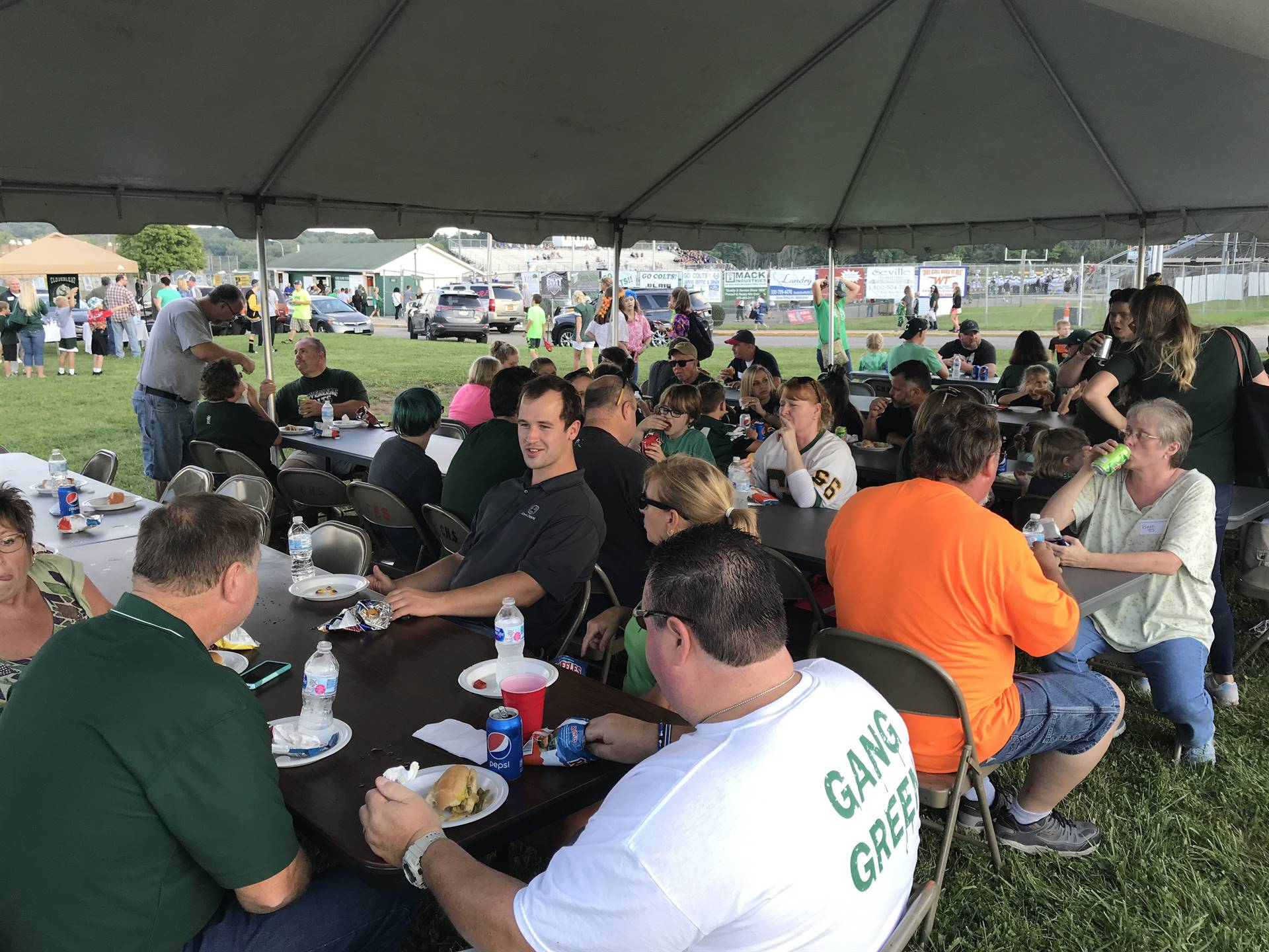 Cloverleaf All-Sports Boosters and Alumni Association annual tailgate dinner